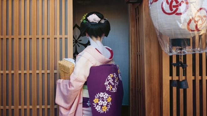 Cuộc đời ly kỳ của Geisha chín ngón nổi tiếng nhất Nhật Bản: Trẻ đa tình hàng nghìn người khao khát, cuối đời đi tu, chết trong đơn độc - Ảnh 6.