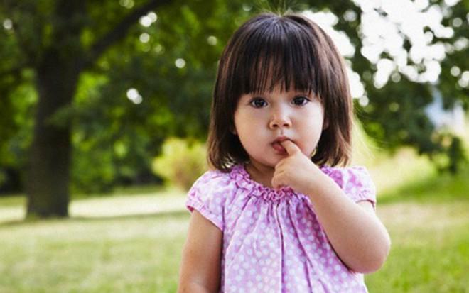 10 dấu hiệu báo động ở trẻ, nếu không khắc phục sớm sẽ tạo thành khiếm khuyết về tính cách - Ảnh 1.