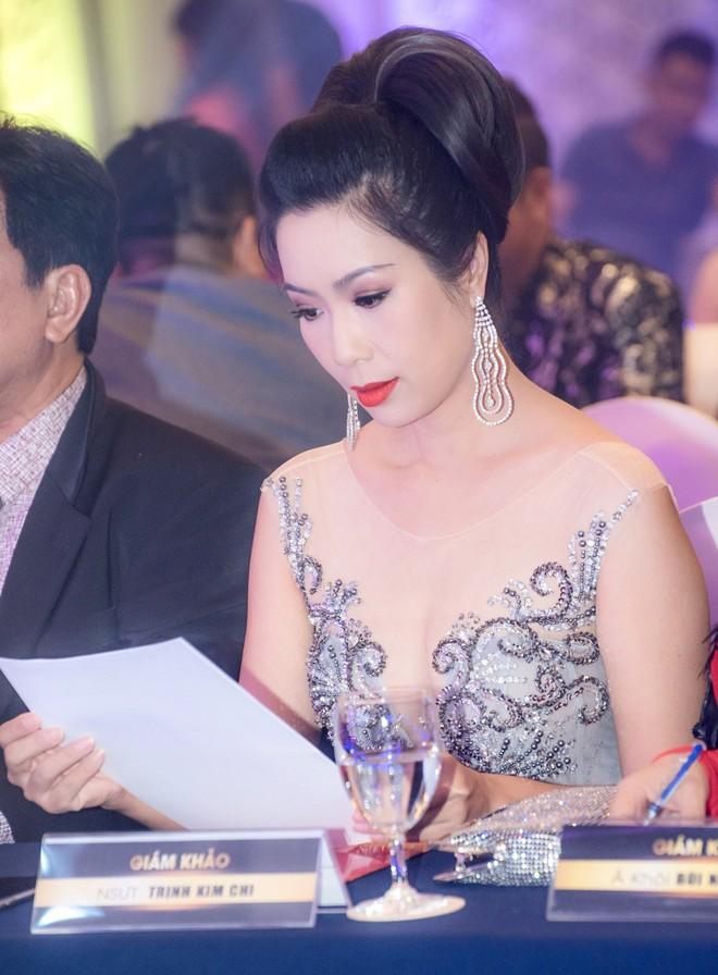 Á hậu Trịnh Kim Chi đẹp mặn mà, khoe vẻ gợi cảm tuổi 46 - Ảnh 3.