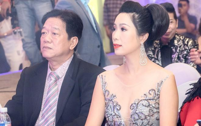 Á hậu Trịnh Kim Chi đẹp mặn mà, khoe vẻ gợi cảm tuổi 46 - Ảnh 4.