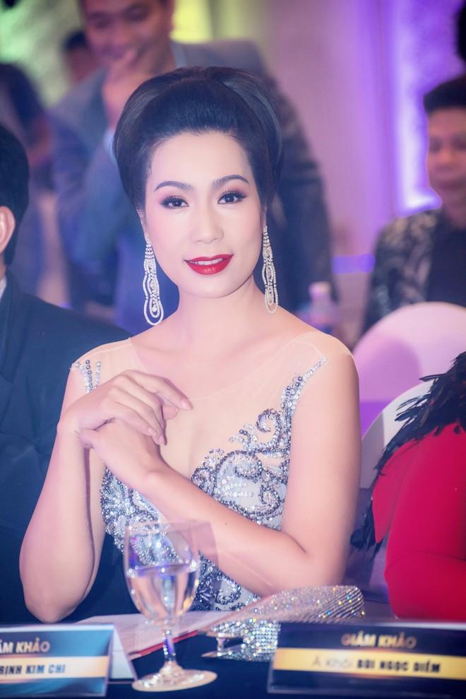 Á hậu Trịnh Kim Chi đẹp mặn mà, khoe vẻ gợi cảm tuổi 46 - Ảnh 6.