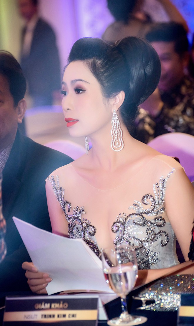 Á hậu Trịnh Kim Chi đẹp mặn mà, khoe vẻ gợi cảm tuổi 46 - Ảnh 7.