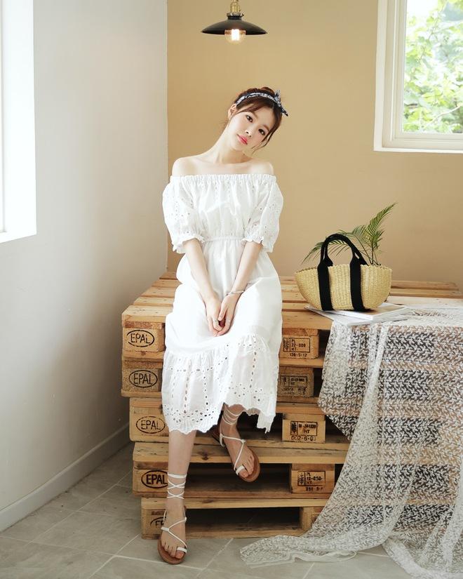Bên cạnh váy hoa, thì vẫn còn 5 mẫu váy để các nàng diện vừa đẹp vừa mát hè này - Ảnh 5.