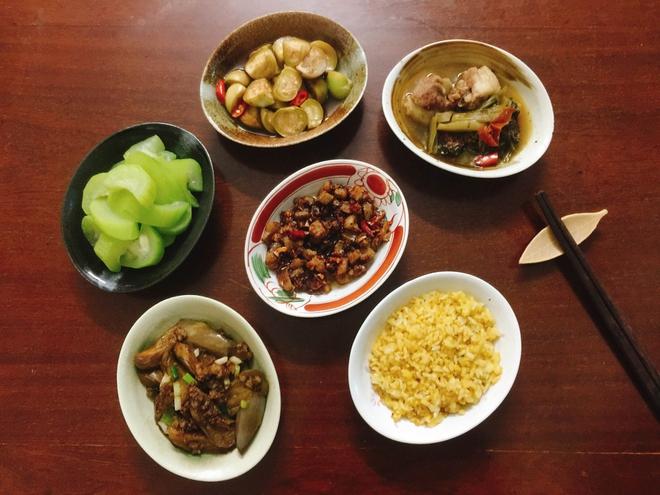 Thực đơn bữa cơm hàng ngày của cô nàng độc thân khiến cộng đồng mạng xuýt xoa vì quá đẹp quá ngon - Ảnh 12.