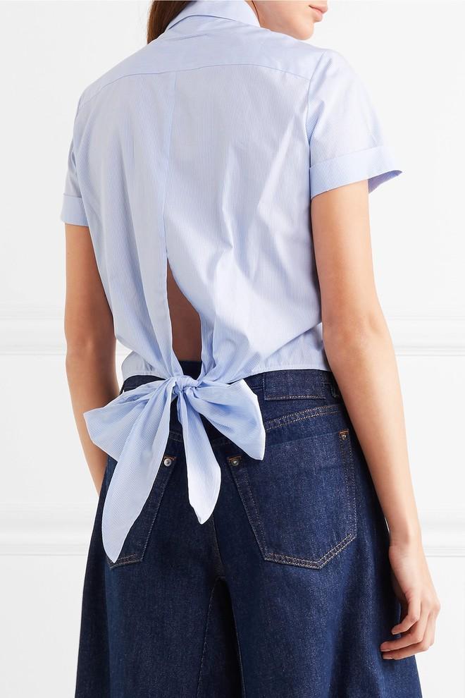 Nơ nhỏ xinh thắt dọc lưng áo đang là mốt khiến phái đẹp phải xiêu lòng - Ảnh 10.