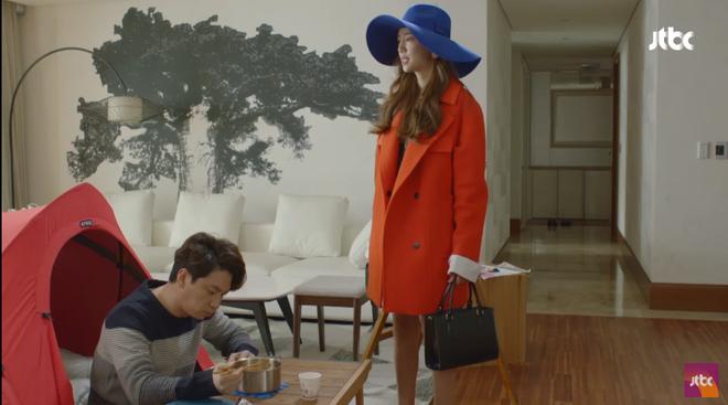 Quý cô ưu tú: Có người chồng tồi tệ thế này, Kim Hee Sun ly hôn là phải - Ảnh 2.