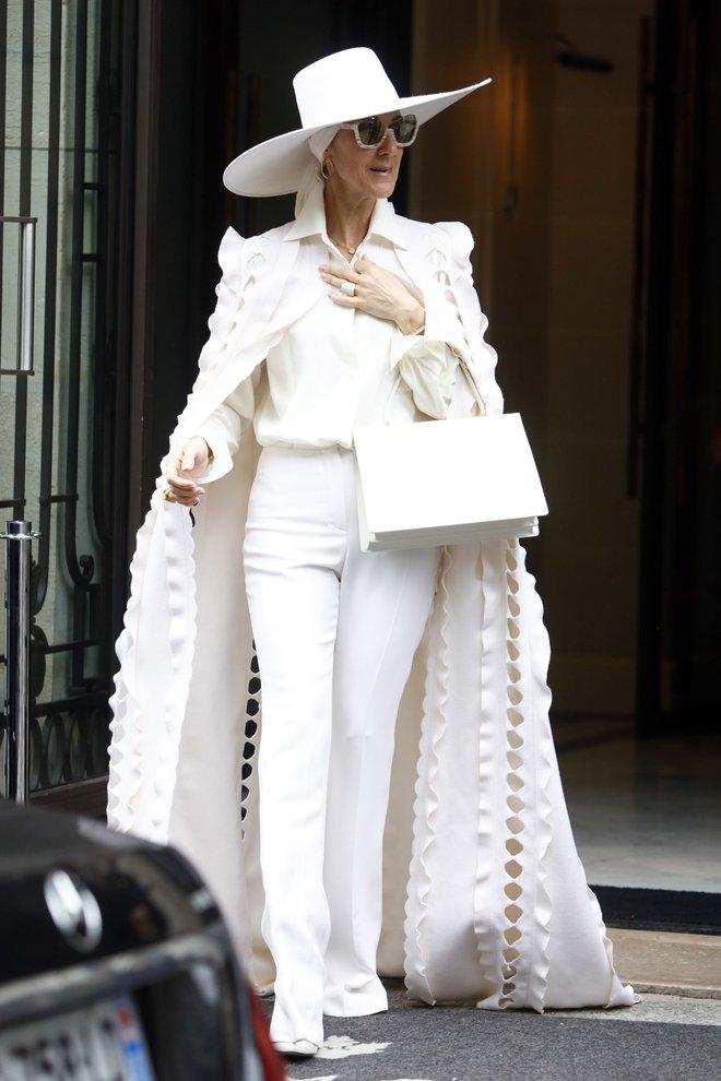Cận kề tuổi 50 Diva Céline Dion mới lột xác phong cách khiến giới mộ điệu toàn cầu kiêng nể - Ảnh 14.