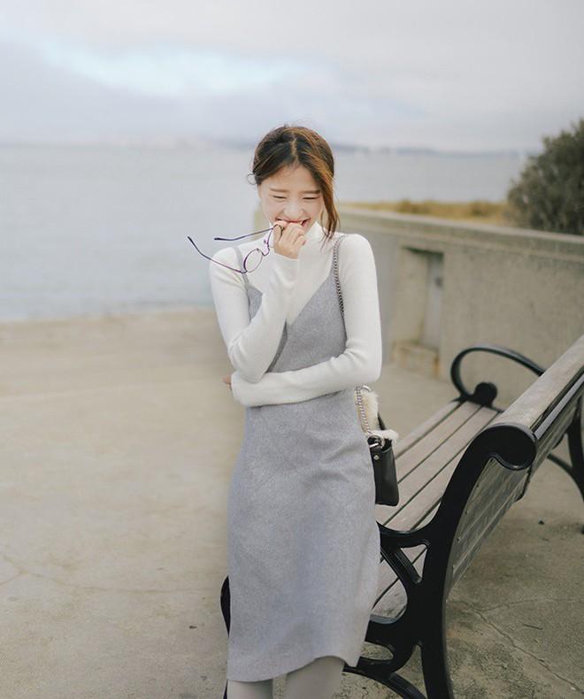 5 mẫu váy đang được các tín đồ thời trang châu Á diện nhiều nhất khi tiết trời se lạnh  - Ảnh 4.