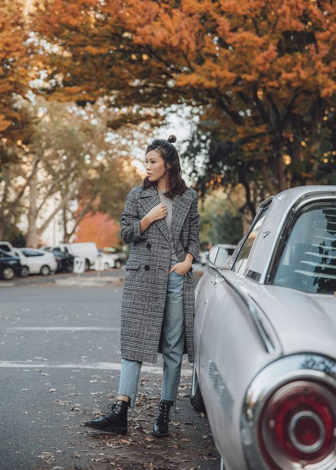 Muốn diện áo khoác kẻ thật đẹp, ắt hẳn bạn phải nghía qua street style Châu Á tuần này rồi - Ảnh 9.