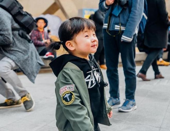 Ai là nhân vật đứng phía sau những nhóc tỳ sành điệu tại Tuần lễ thời trang Seoul - Ảnh 16.