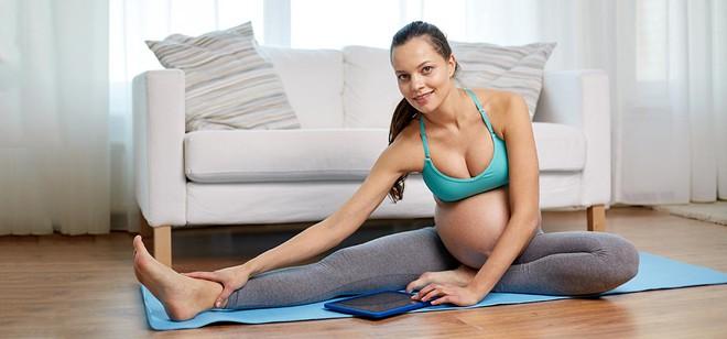 4 bài tập đơn giản giúp mẹ bầu sinh nở dễ dàng - Ảnh 1.