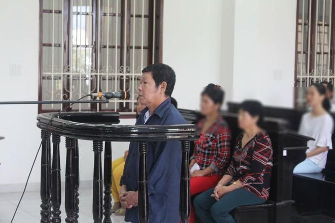 Tố cáo cha và ông nội hiếp dâm con gái ruột 11 tuổi, bà ngoại liên tục nhận được tin nhắn dọa giết - Ảnh 3.