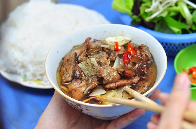 CNN lên list 10 món ăn đường phố siêu phổ biến lại ngon nức tiếng của Việt Nam - Ảnh 6.