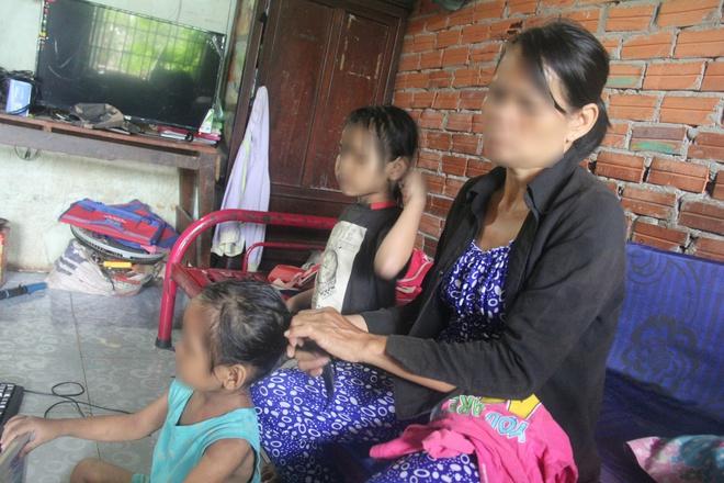 TP.HCM: Mẹ đi mua ve chai bảo con về trước, 2 bé gái sinh đôi 6 tuổi bị hàng xóm dâm ô - Ảnh 6.