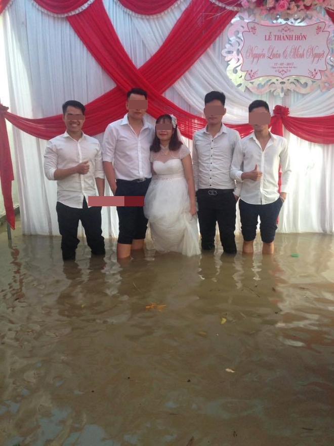 Ai sắp cưới nhớ xem dự báo thời tiết, đừng như hôm nay, bão đánh sập rạp, khách tưởng đám cưới con gái Thủy Tề - Ảnh 8.