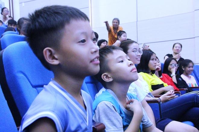 Cái Tết trung thu ý nghĩa của 350 trẻ em có hoàn cảnh đặc biệt khó khăn trên địa bàn TP.HCM - Ảnh 3.