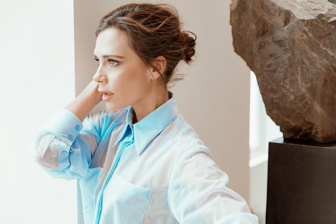 Victoria Beckham bật mí loạt sản phẩm làm đẹp giúp cô luôn đẹp rạng rỡ - Ảnh 5.