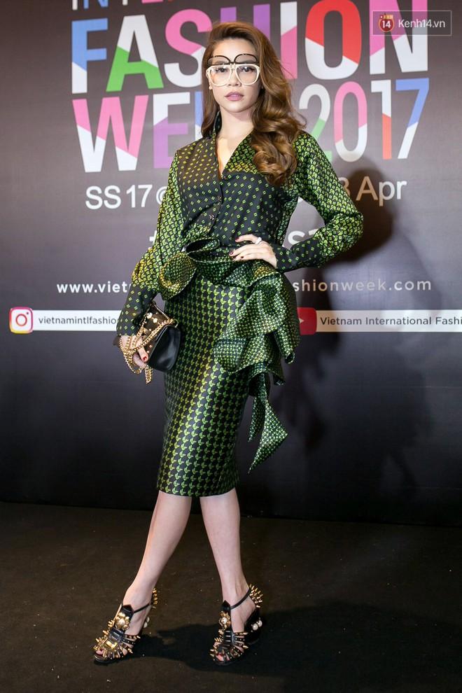 Năm 2017, đây là những người đẹp xứng danh nữ hoàng thảm đỏ showbiz Việt - Ảnh 30.