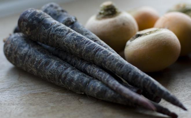Những loại rau củ rực rỡ sắc màu khiến nhiều người không tin chúng có thật - Ảnh 14.