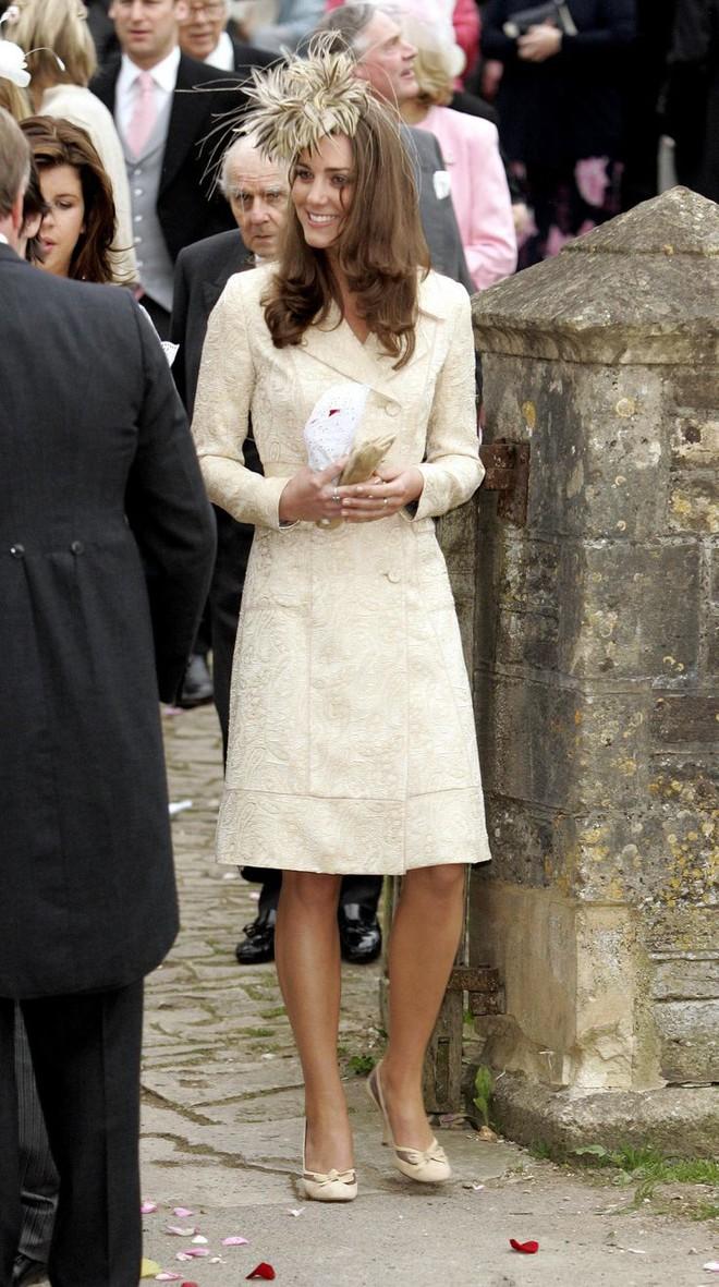 Liệu có ai tò mò về phong cách thời trang hồi chưa là Công nương của Kate Middleton - Ảnh 8.