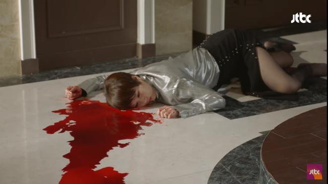 Quý cô ưu tú: Kim Sun Ah bị con trai giết chết chỉ vì quá mê tiền - Ảnh 4.