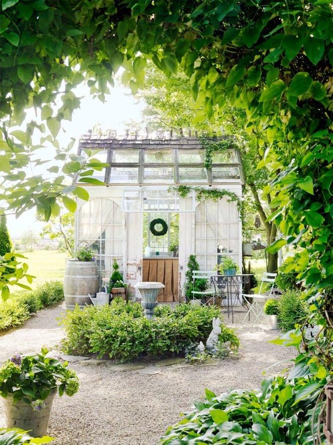 Những ngôi nhà nhỏ trong vườn khiến bạn như được lạc vào thế giới cổ tích - Ảnh 1.
