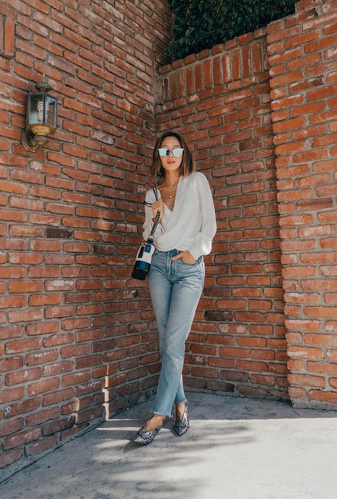 Blazer và jeans chính là combo được các quý cô châu Á ưu ái nhất tuần qua - Ảnh 4.