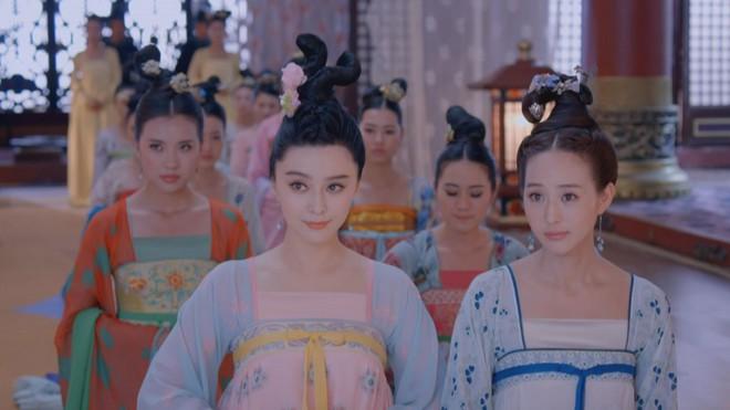 Muôn cách để Hoàng đế Trung Hoa xưa chọn phi tần lâm hạnh: thả bướm, thảy xúc xắc và cả cưỡi xe dê - Ảnh 2.