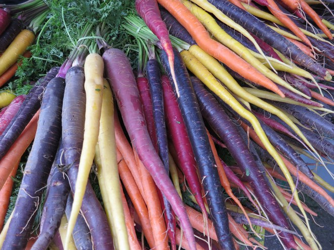 Những loại rau củ rực rỡ sắc màu khiến nhiều người không tin chúng có thật - Ảnh 13.