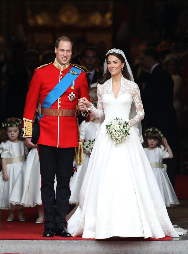 Mãn nhãn với những thiết kế váy cưới nổi tiếng nhất mọi thời đại - Ảnh 9.