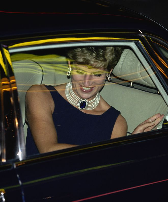 Sự thật bất ngờ về những món trang sức của Audrey Hepburn, công nương Diana hay Kate Middleton  - Ảnh 7.