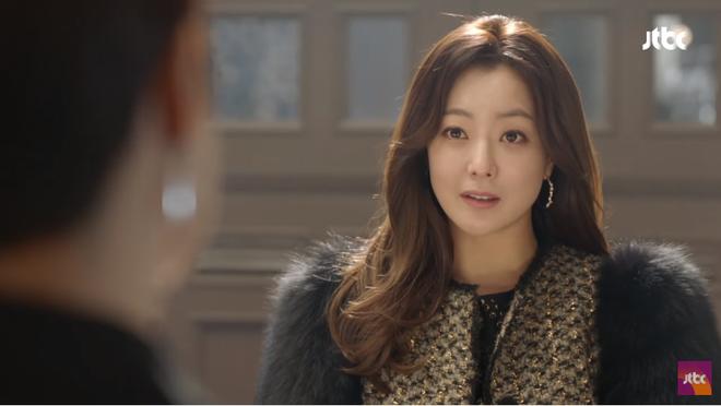 Ngưỡng mộ phong thái phu nhân của Kim Hee Sun, Kim Sun Ah bắt chước học theo - Ảnh 2.