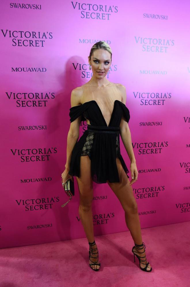 Mỹ nhân Tình người duyên ma khoe thân hình đồng hồ cát trên thảm hồng Victoria's Secret 2017 - Ảnh 9.