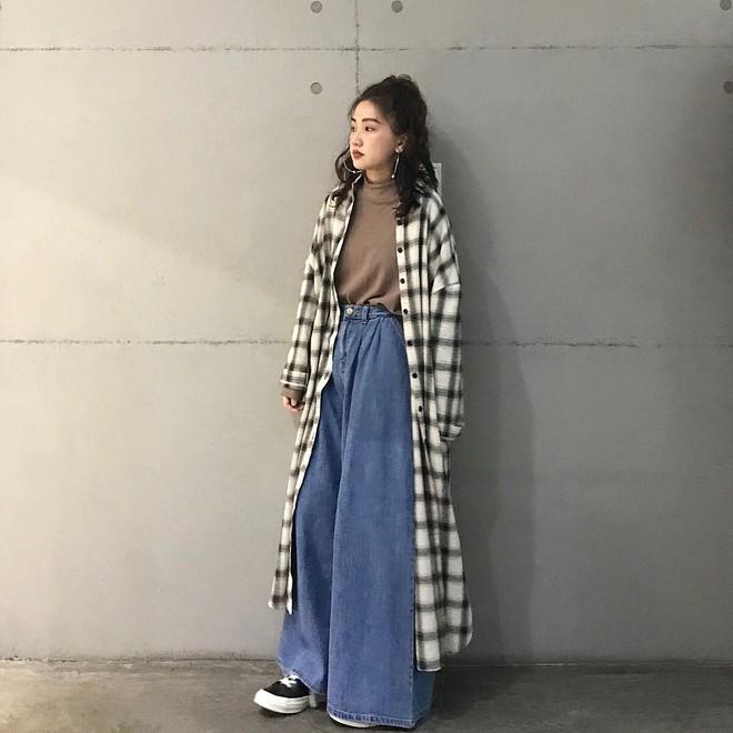 Áo khoác dài + quần ống rộng: Combo mặc kiểu gì cũng đẹp cho mùa đông năm nay - Ảnh 7.