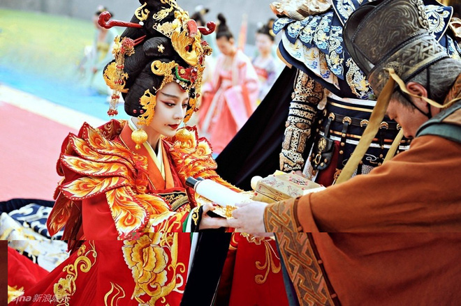 Muôn cách để Hoàng đế Trung Hoa xưa chọn phi tần lâm hạnh: thả bướm, thảy xúc xắc và cả cưỡi xe dê - Ảnh 1.