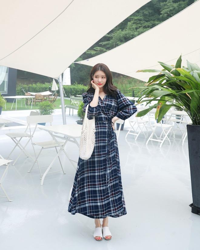 Chính xác thì đây sẽ là chiếc váy hot nhất mùa thu năm nay - Ảnh 8.
