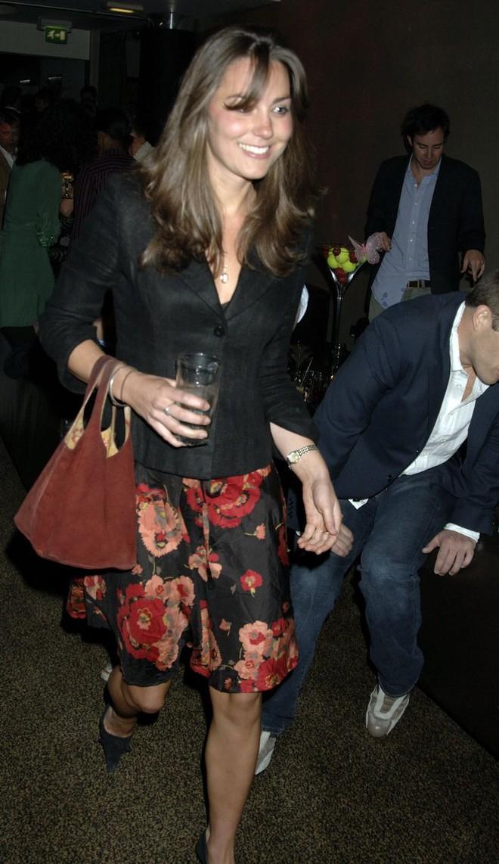 Liệu có ai tò mò về phong cách thời trang hồi chưa là Công nương của Kate Middleton - Ảnh 9.