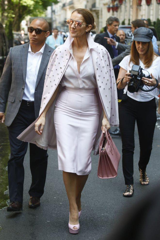 Cận kề tuổi 50 Diva Céline Dion mới lột xác phong cách khiến giới mộ điệu toàn cầu kiêng nể - Ảnh 18.