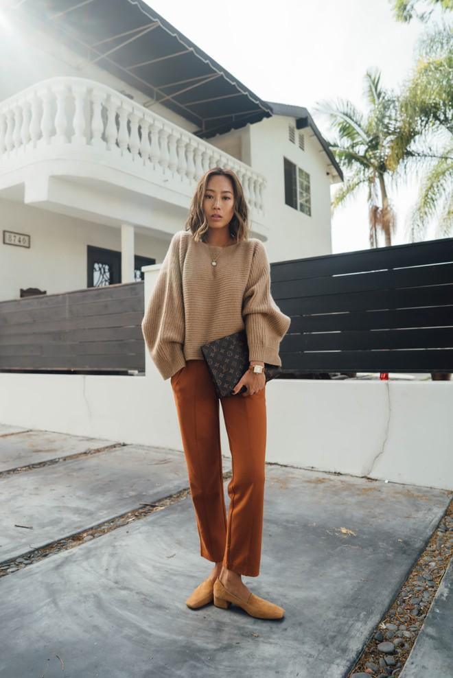 Muốn diện áo khoác kẻ thật đẹp, ắt hẳn bạn phải nghía qua street style Châu Á tuần này rồi - Ảnh 2.
