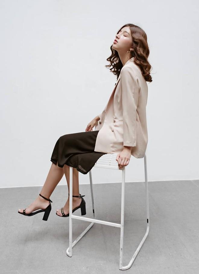 Những thiết kế blazer giá chưa quá 700 ngàn đến từ các thương hiệu Việt bạn cần sắm ngay trong thu này - Ảnh 13.
