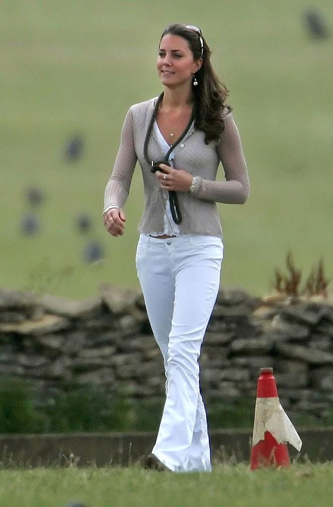 Liệu có ai tò mò về phong cách thời trang hồi chưa là Công nương của Kate Middleton - Ảnh 10.