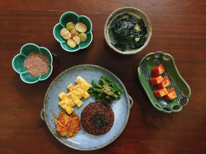 Thực đơn bữa cơm hàng ngày của cô nàng độc thân khiến cộng đồng mạng xuýt xoa vì quá đẹp quá ngon - Ảnh 17.