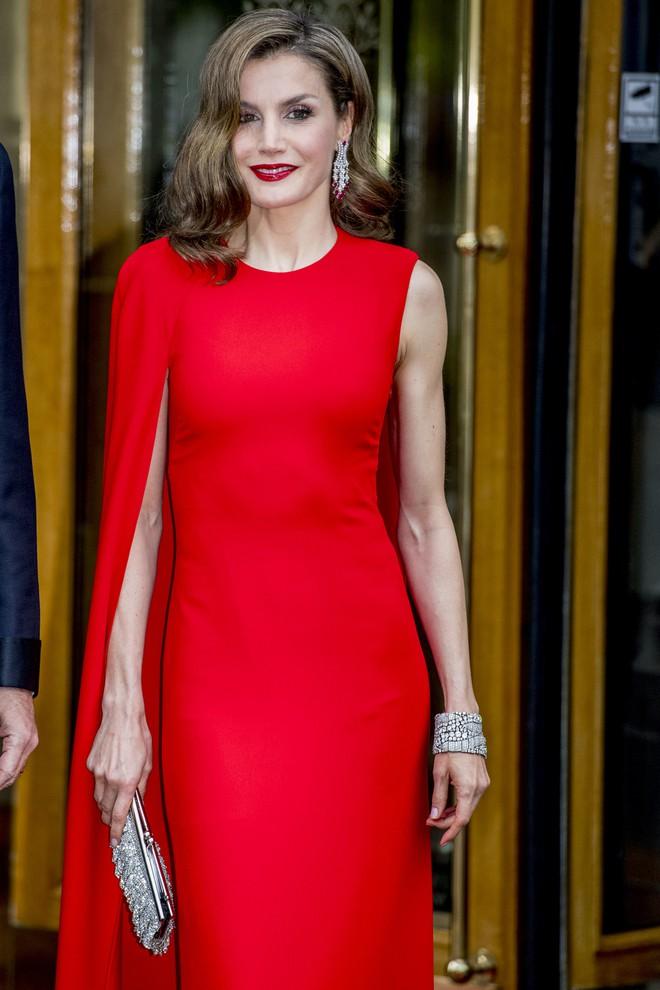 4 biểu tượng hoàng gia sở hữu gu thời trang đẹp xuất sắc khiến ai cũng trầm trồ mỗi khi xuất hiện - Ảnh 11.