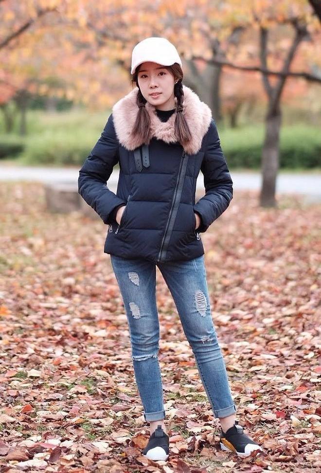 Cứ đến mùa lạnh là 7 mẫu áo khoác ấm áp này lại được các cô nàng thi nhau chưng diện - Ảnh 12.