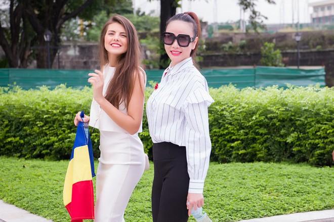 Dương Yến Ngọc bất ngờ nhận 2 giải thưởng tại Hoa hậu quý bà 2017 - ảnh 8