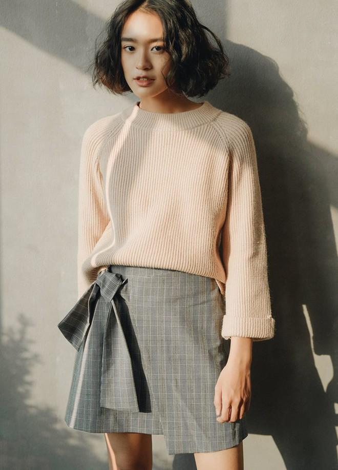 Để sắm áo len thật xinh diện trong mùa đông này, đừng bỏ qua 8 gợi ý dưới đây - Ảnh 35.