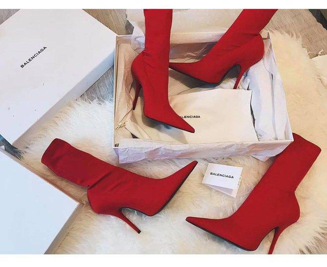 Thu/Đông này, không phải blazer, những đôi giày kiêm tất mới là món đồ đang chiếm lĩnh tủ đồ của sao Việt - Ảnh 12.