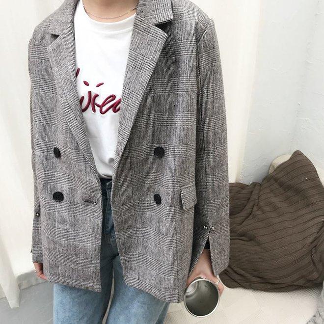 Đây chắc chắn là chiếc áo blazer được diện nhiều nhất trong thu này - Ảnh 16.