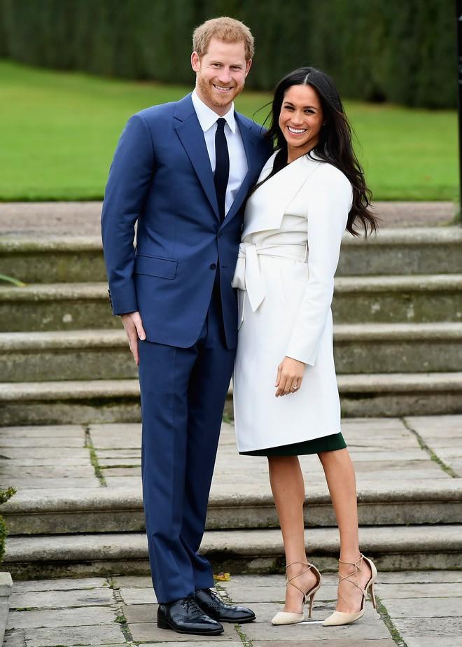 Sang năm mới cưới, nhưng đã có loạt dự đoán về chiếc váy mà hôn thê của Hoàng tử Harry sẽ mặc  - Ảnh 1.