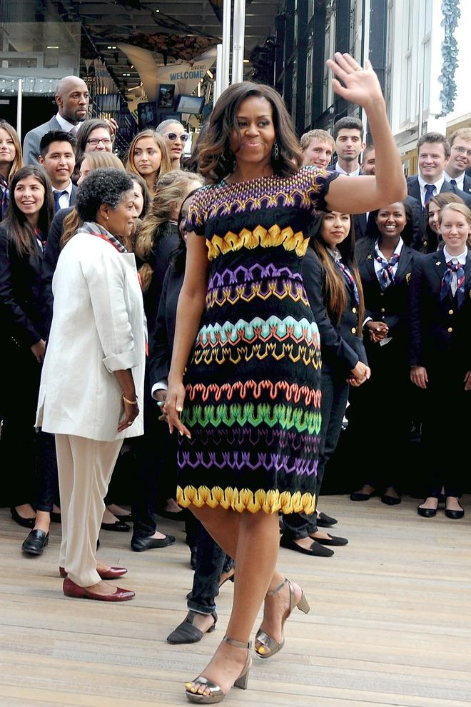 Ai thích diện hàng hiệu đắt tiền chứ bà Michelle Obama chỉ trung thành quần legging giá bình dân thôi! - Ảnh 3.